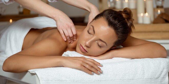 Klasická masáž kokosovým olejom alebo relaxačná čokoládová masáž