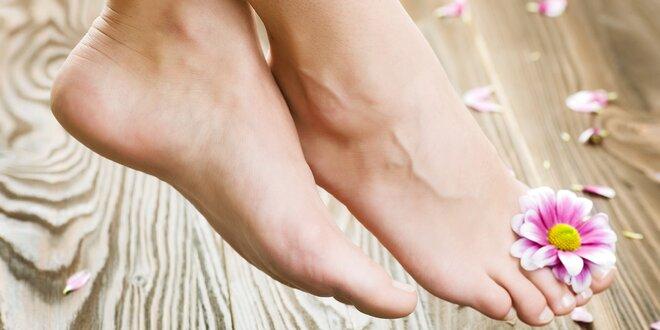 Mokrá pedikúra s gél lakom alebo gélové nechty