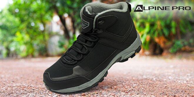 Pánska outdoorová obuv značky Alpine Pro