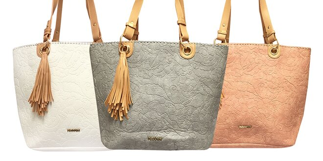 Priestranné dámske kabelky Tessra s príveskom
