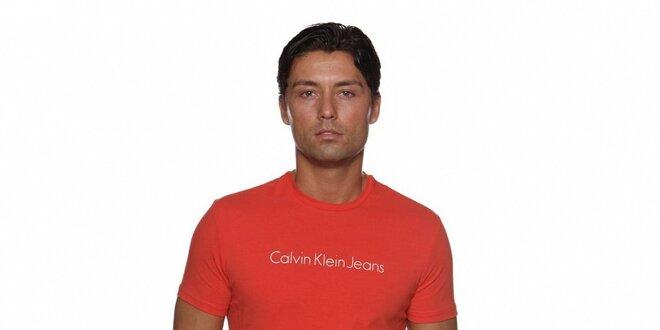 Pánske lososové tričko Calvin Klein s potlačou