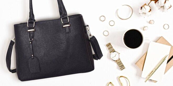 Priestranné dámske kabelky s príveskom