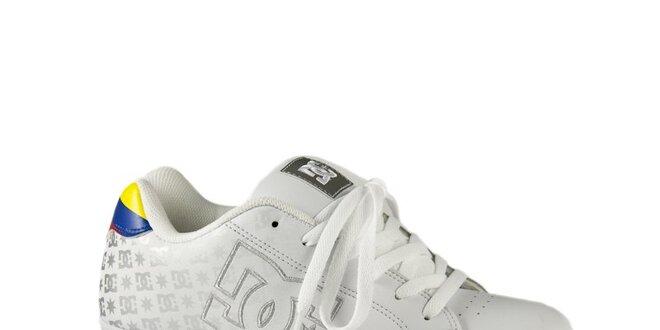 Pánske biele tenisky DC so strieborným logom  d4596f80598