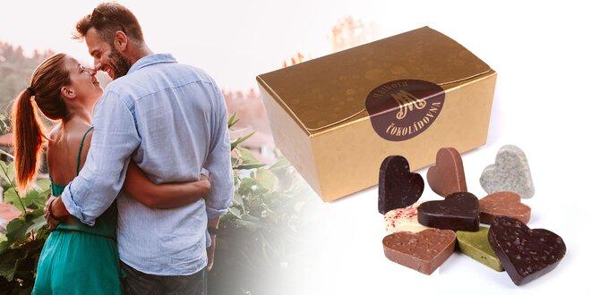 Ručne vyrábané čokoládové srdiečka deviatich chutí