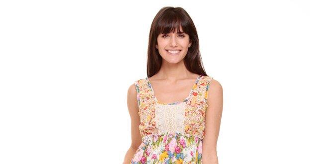 b84754f6a5de Dámske farebné kvetinové šaty Peace Love