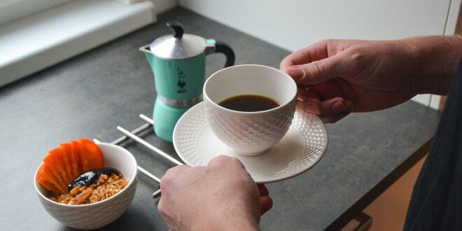Pražená zrnková káva z Etiópie, Kolumbie aj Panamy