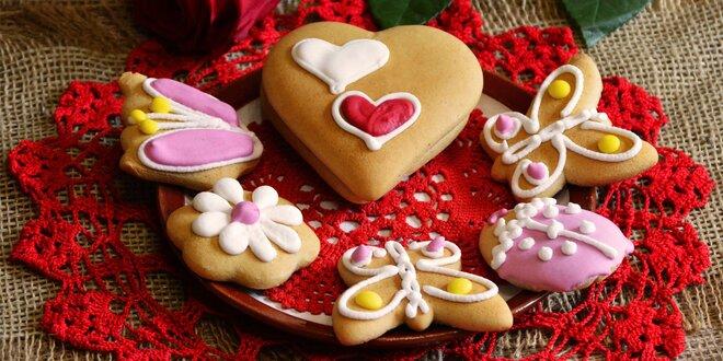 Plnené srdce, medovníky aj sady zdobených i plnených medovníkov a kokosových tyčiniek