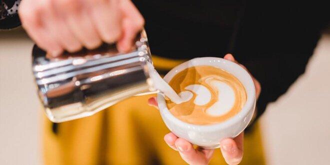 5 balení kávy+french press, moka konvička či mlynček