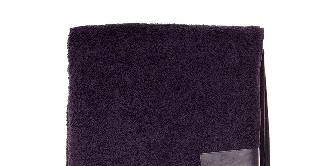 Veľká tmavo fialová osuška Lacoste