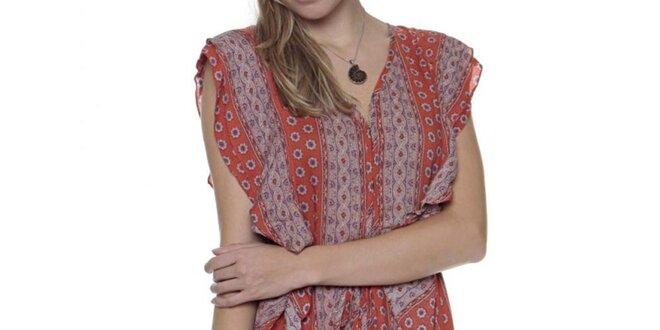 Dámske pruhované šaty s volánikmi a vzorom Guess