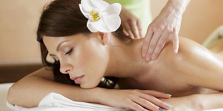 Reflexná masáž chrbta alebo chodidiel
