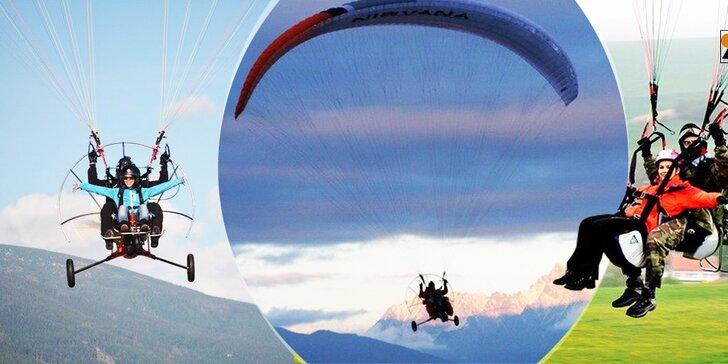 Tandemový motorový paragliding prelet okolo Liptovskej Mary