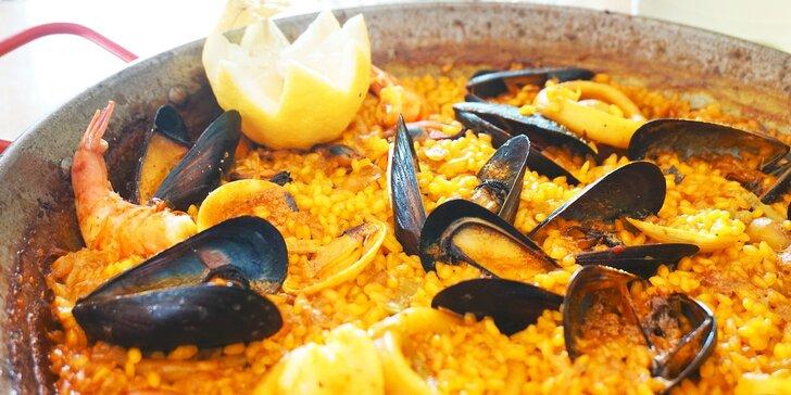 Pravá španielska paella de marisco alebo de pollo