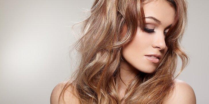 Regenerácia a strihanie vlasov s možnosťou farbenia
