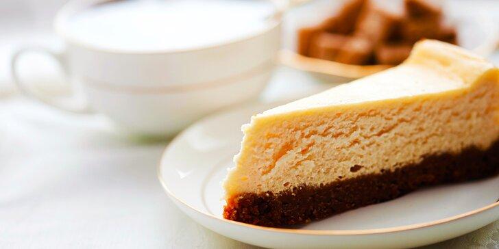 Luxusná kávička a k tomu chutný koláčik v Nitre