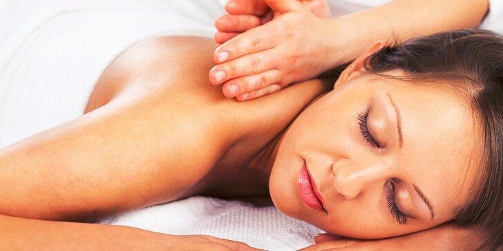 Klasická 60-minútová masáž alebo bankovanie v salóne Bella Dea