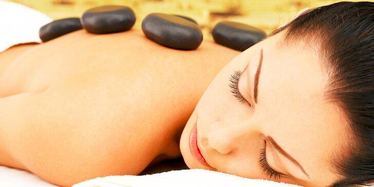 Klasická masáž alebo masáž lávovými kameňmi
