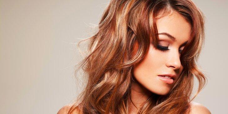 Nový strih, žiarivý melír alebo farba a regenerácia pre vaše vlasy