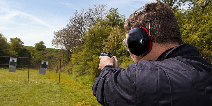Streľba na strelnici z pištole, z revolveru, z brokovnice, z pušky...