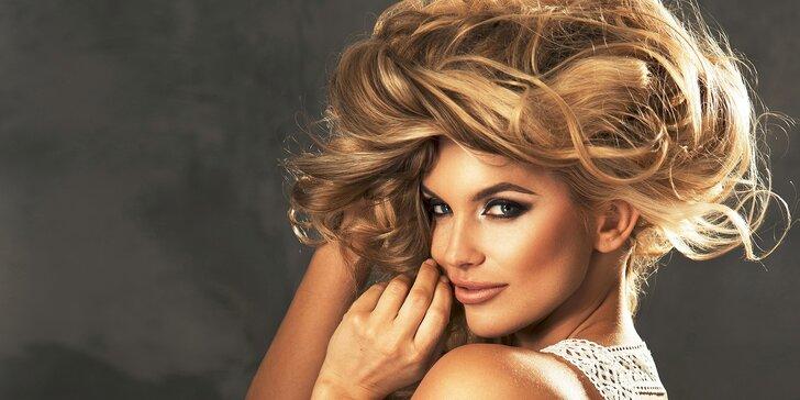 Strih so špeciálnou vlasovou kúrou z placenty alebo trichologické vyšetrenie vlasov