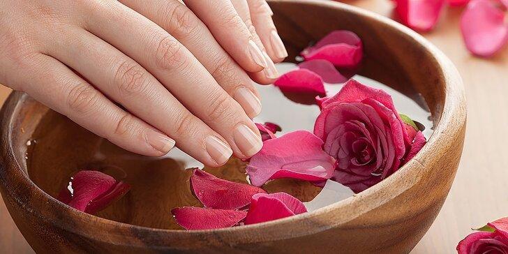 Parafínové ošetrenie rúk alebo japonská manikúra