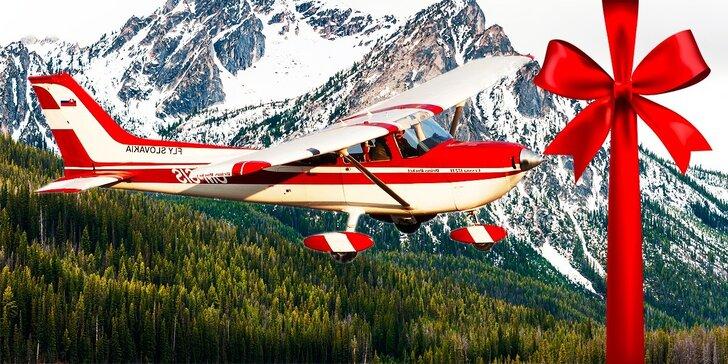 Zoznamovací let lietadlom až pre 3 osoby s možnosťou pilotovania