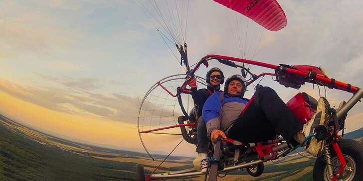 Let v oblakoch v tandeme na motorovej paraglidingovej trojkolke
