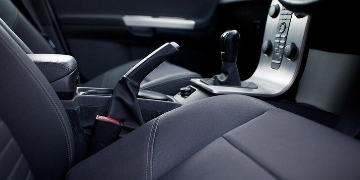 Kompletné vyčistenie interiéru auta s ošetrením plastov či ochrana laku alebo vyleštenie svetlometov