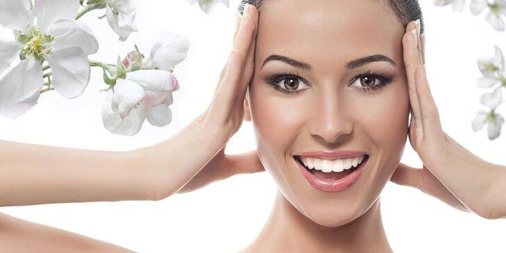 Aromaterapeutické ošetrenie tváre a relaxačná masáž rúk