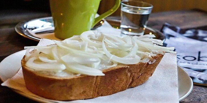 Mastný chlieb s cibuľou a vínom
