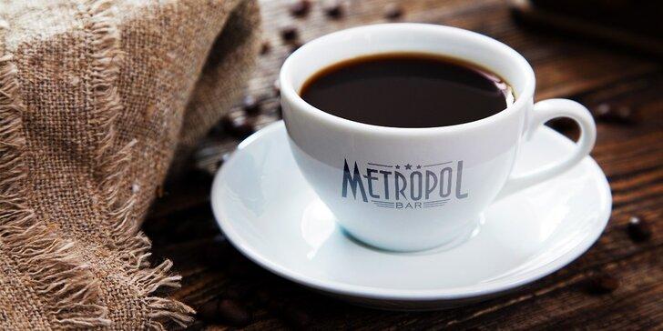 Doprajte si kofeín! Dve malé alebo veľké espressá v bare Metropol