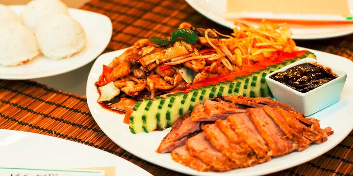 Ázijské menu pre dvoch v Avione
