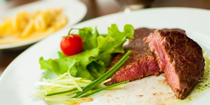Skvelý rump steak v Cafe – Restaurant LOKÁL