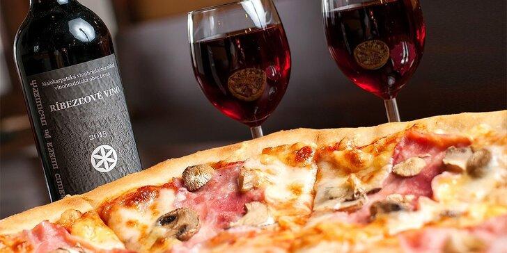 2 x pizza podľa vlastného výberu s fľašou ríbezľového vína a espresso k tomu