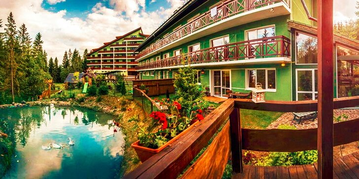 Jarný wellness pobyt v apartmánoch alebo zruboch pod Vysokými Tatrami plný procedúr s polpenziou alebo ALL INCLUSIVE, 3.osoba pobyt úplne ZDARMA!