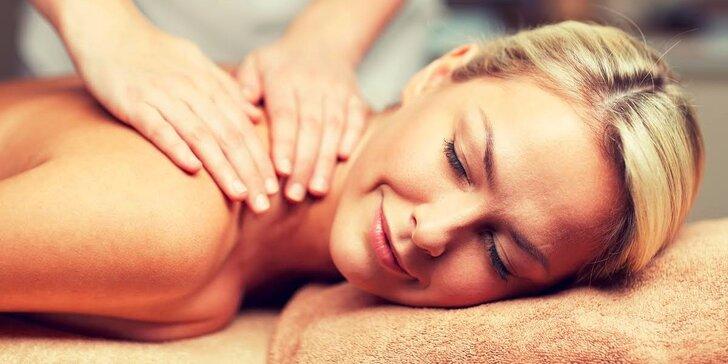 Medová masáž alebo klasická masáž chrbta a šije s relaxom v infrasaune