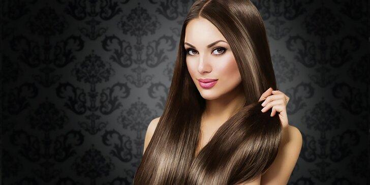 Predlžovanie vlasov s 3-ročnou zárukou alebo regeneračno-relaxačný balíček pre poškodené vlasy