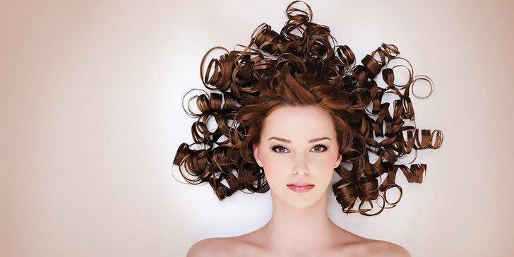 Strih vlasov s umytím a možnosťou regeneračnej masky alebo spoločenský účes v Relax Centre s detským kútikom
