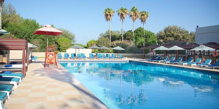 8-dňová dovolenka v Emirátoch s letiskovými poplatkami, servisom a službami delegáta v cene - hotel priamo na pláži!