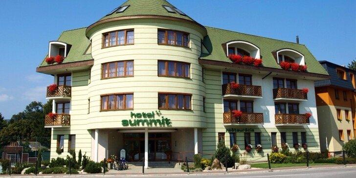 Wellness pobyt PRE DVOCH v Bešeňovej. Termálne kúpele, vírivka, sauny, raňajky a trojchodové večere.