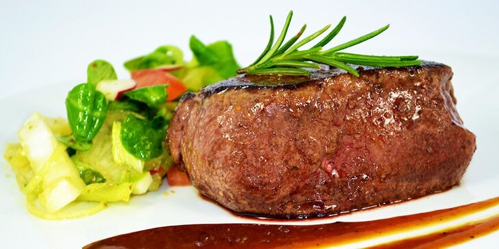 Jelení steak so šípkovou omáčkou alebo rodinné menu pre 4 osoby