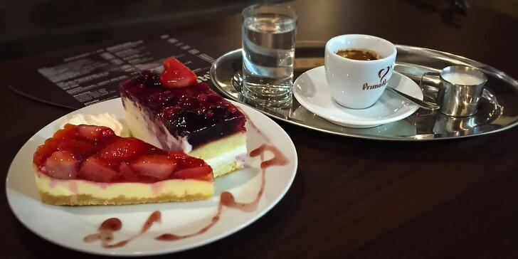 Presso, latte alebo cappuccino so zákuskom v Musicafe