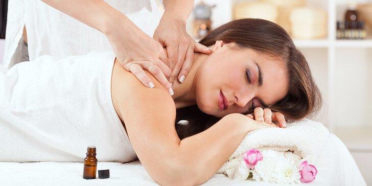 Masáž s prírodnými silicami a prístrojovou akupresúrnou masážou chodidiel