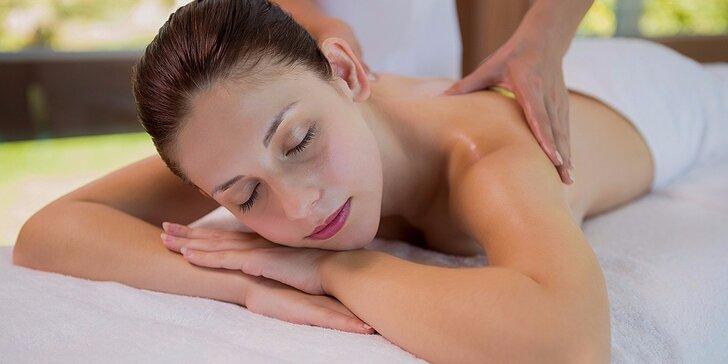 Relaxačná masáž chrbta, šije a chodidiel