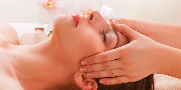 Masáž tváre s úpravou obočia alebo masáž tváre so sérom z materskej kašičky