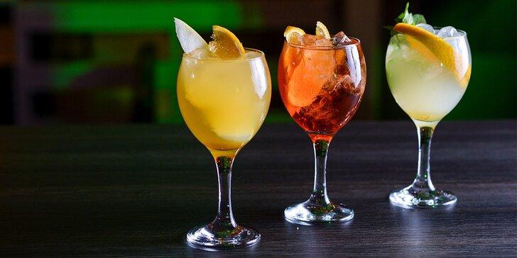 Nealko limonády i alko Spritz drinky v bare Metropol