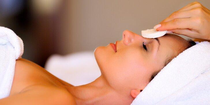 Hĺbkové čistenie, lifting s kyselinou hyalurónovou alebo masáž tváre, krku a dekoltu