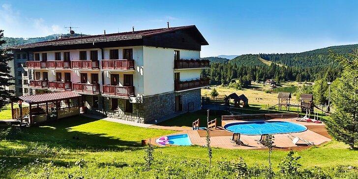Leto alebo jeseň v modernom zrekonštruovanom Hoteli Polianka s gurmánskou kuchyňou, vonkajším bazénom, horským jazerom a športami v malebnom údolí Nízkych Tatier