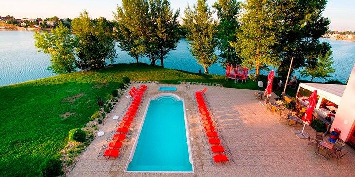 Letná dovolenka na seneckých jazerách pre s neobmedzeným wellnessom a polpenziou vo Wellness Hoteli Relax. Až 2 deti do 12 rokov ubytovanie ZADARMO