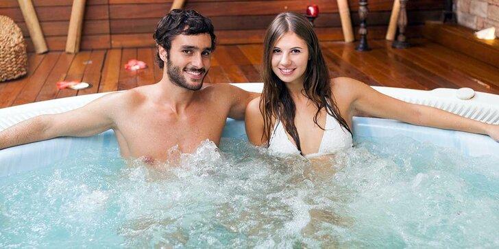Dvojhodinový wellness balíček s masážou, vírivkou a fínskou saunou
